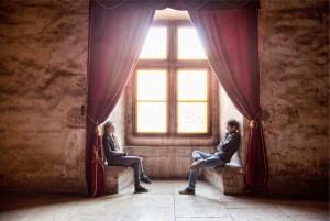 stocksnap.io - 1CB98C9DF8 - talking couple curtains